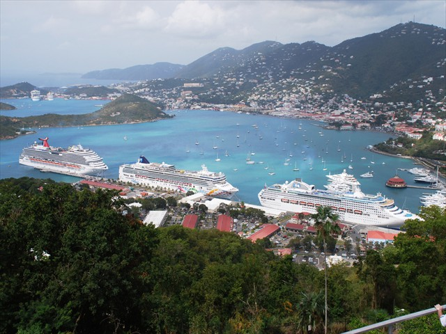 Carnival Dream, Norwegian Pearl<br/>and Sea Princess in St. Thomas